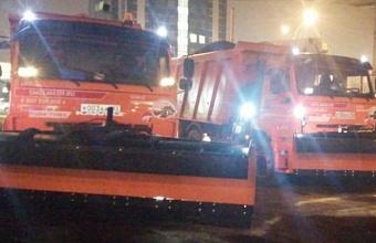 В Краснодаре ночью обработали дороги и путепроводы