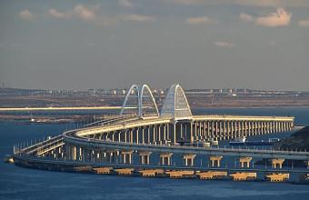 По Крымскому мосту прошли 100 пассажирских поездов