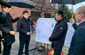 Евгений Первышов отметил важность реконструкции участка коллектора на улицах Энгельса и Головатого