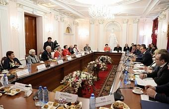 Губернатор Кубани встретился с жителями блокадного Ленинграда
