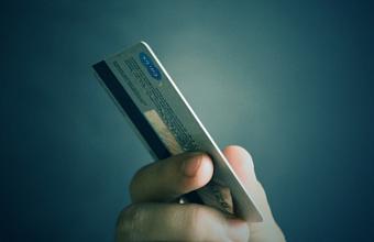 ВТБ отказывается от производства пластиковых карт