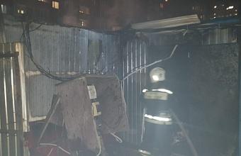 В Краснодаре сгорели вагончики на стройплощадке
