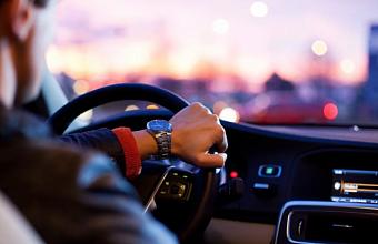Заместители мэра Геленджика в выходные дни катались на служебных автомобилях