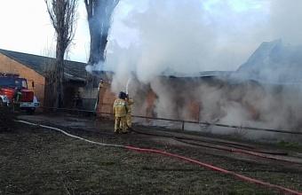 Склад на площади 500 кв. м горел в Красноармейском районе