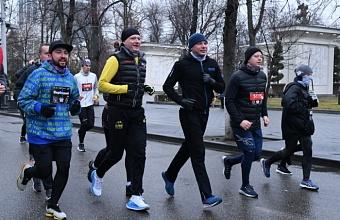 В легкоатлетическом забеге HardRun в Краснодаре приняли участие 1,2 тыс. человек
