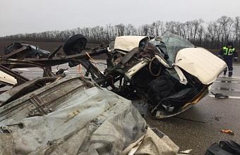 На Кубани в ДТП с тремя автомобилями погиб 60-летний мужчина