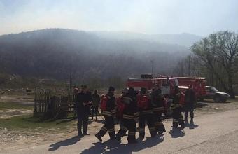 В Краснодарском крае действуют шесть пожаров