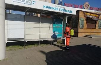 За ночь в Краснодаре продезинфицировали 800 км дорог и тротуаров