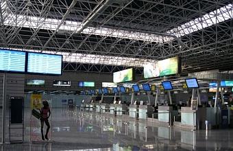 Аэропорт Сочи перешел на сокращенный режим работы
