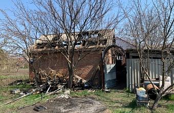 При пожаре в летней кухне в Кущевском районе погиб мужчина