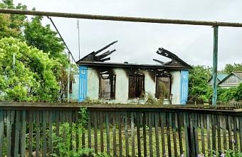 При пожаре в доме на Кубани погибла 76-летняя женщина