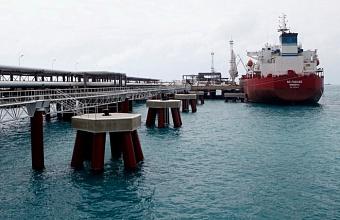 Роспотребнадзор объяснил порядок изоляции экипажей морского транспорта и водителей грузовиков