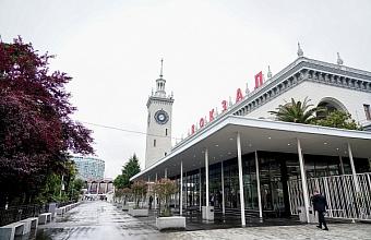 Обновленную привокзальную площадь открыли в Сочи