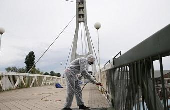 Цвет Моста Поцелуев в Краснодаре останется белым