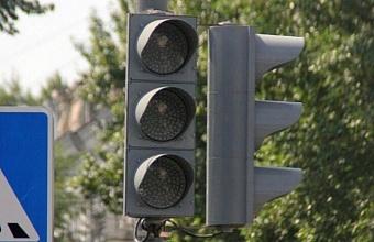 Отключение светофоров на пересечении Октябрьской и Гоголя в Краснодаре продлили на день