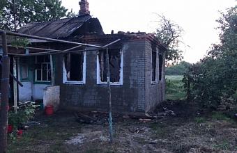 На Кубани за сутки в двух пожарах погибли 48-летний мужчина и 82-летняя женщина