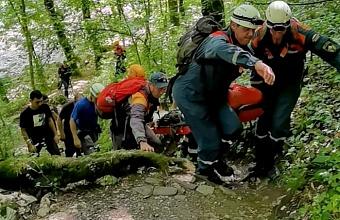 В районе Агурских водопадов туристка сломала ногу