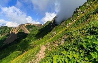 В горах Сочи стартовал сезон туристических походов