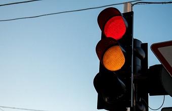 На пересечении улиц Красных Партизан и им. Баумана в Краснодаре отключены светофоры