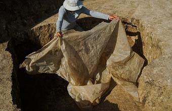Под Краснодаром при строительстве дороги нашли оружие древних воинов