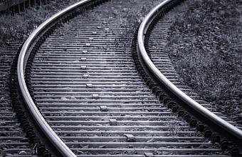 В Динском районе поезд сбил 16-летнего подростка