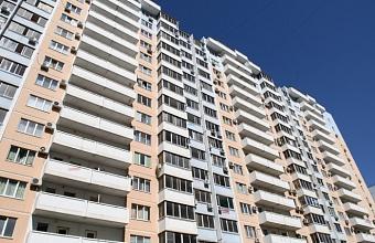 В Краснодаре в новые квартиры переселяют жильцов аварийного дома по ул. Красноармейской, 49
