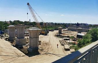 Первый этап строительства Яблоновского моста в Краснодаре почти завершили