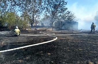 Пожар под Анапой потушили