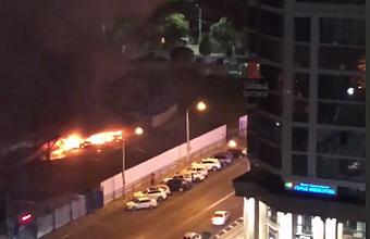На ул. Рашпилевской в Краснодаре загорелись торговые павильоны