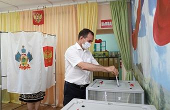 Вениамин Кондратьев проголосовал на выборах