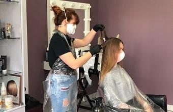 После снятия ограничений в России так и не открылось 11% парикмахерских