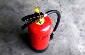 В Геленджике тушат пожар на площади 50 кв. м