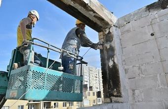 В Краснодаре продолжают восстанавливать пострадавший от пожара дом по ул. Российской