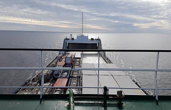 Контейнеровоз из Украины нарушил границу РФ и зашел в порт Кубани