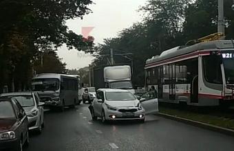Из-за ДТП в Краснодаре снова встали трамваи