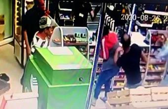 Краснодарец в продуктовом магазине несколько раз ударил ножом мужчину