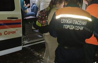 Туристы с детьми заблудились в лесу в Сочи