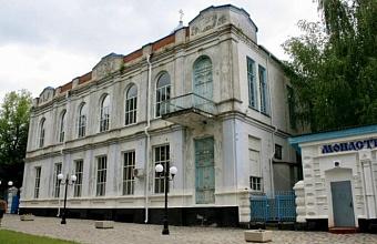 Памятник архитектуры начала XX века отреставрируют в Кореновске до конца года