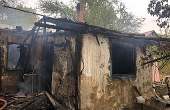 В Армавире при пожаре в доме погиб 69-летний мужчина