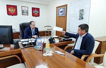 Министр физкультуры и спорта Кубани встретился с гендиректором гандбольного клуба «СКИФ»