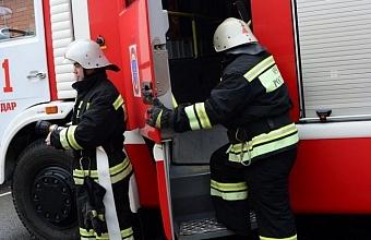 В Сочи из-за пожара в жилом доме эвакуировали 50 человек