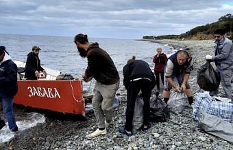 Участники экоакции очистили от мусора 10 га заказника «Большой Утриш»