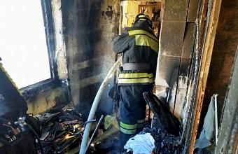 В Сочи при пожаре в 12-этажном доме эвакуировали 73 человека