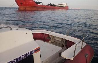 Поиски пропавших моряков взорвавшегося танкера продолжаются в Азовском море