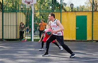 Мэр Краснодара принял участие в мастер-классе по баскетболу