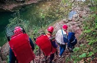 В Апшеронском районе спасатели помогли двум семьям грибников выбраться из леса