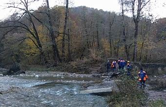 В Сочи спасатели помогли 60-летнему грибнику, заблудившемуся в районе каньона «Чертовы ворота»