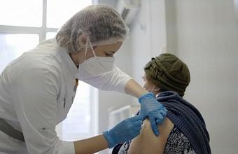 Вакцинацию от коронавируса на Кубани прошли почти 12,7 тыс. человек