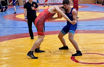 В Новороссийске прошло первенство Краснодарского края по греко-римской борьбе