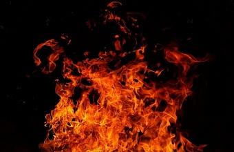 В Анапе при пожаре в девятиэтажном доме погиб человек